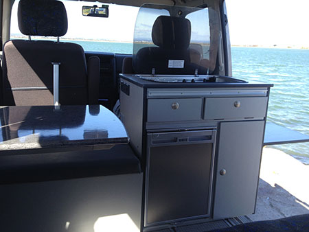 california multivan caravelle happy van. Black Bedroom Furniture Sets. Home Design Ideas